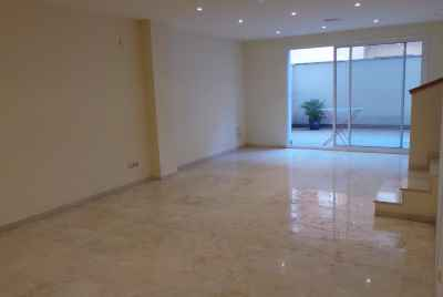 Large apartment only 20 minutes from Barcelona